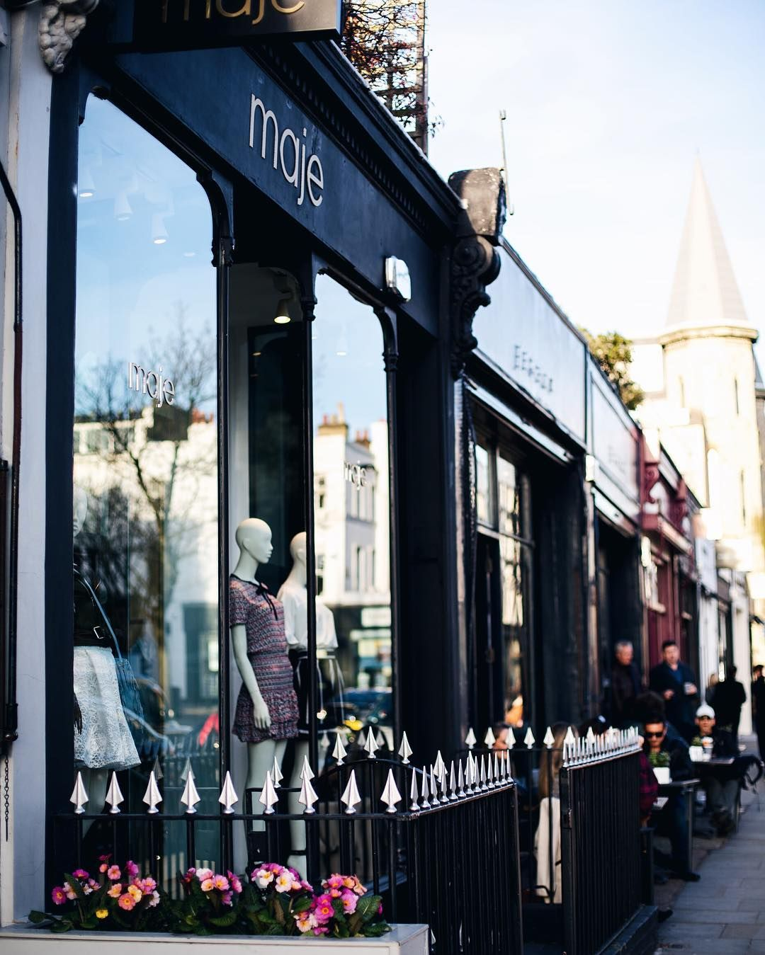 Fancy pants streets in Notting Hill  did you check out my city guide and favourite spots? #mediamarmalade