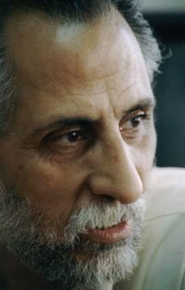 مشاهير من مدينة عكا حسن عويتي ممثل فلسطيني من مدينة عكا تخرج بدبلوم في الإخراج المسرحي من المعهد العالي للفنون المسرحية في بلغاريا وانضم إلى نقابة الفنان