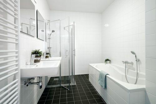 de huizen zullen voorzien worden van een badkamer.   bedenken en ...