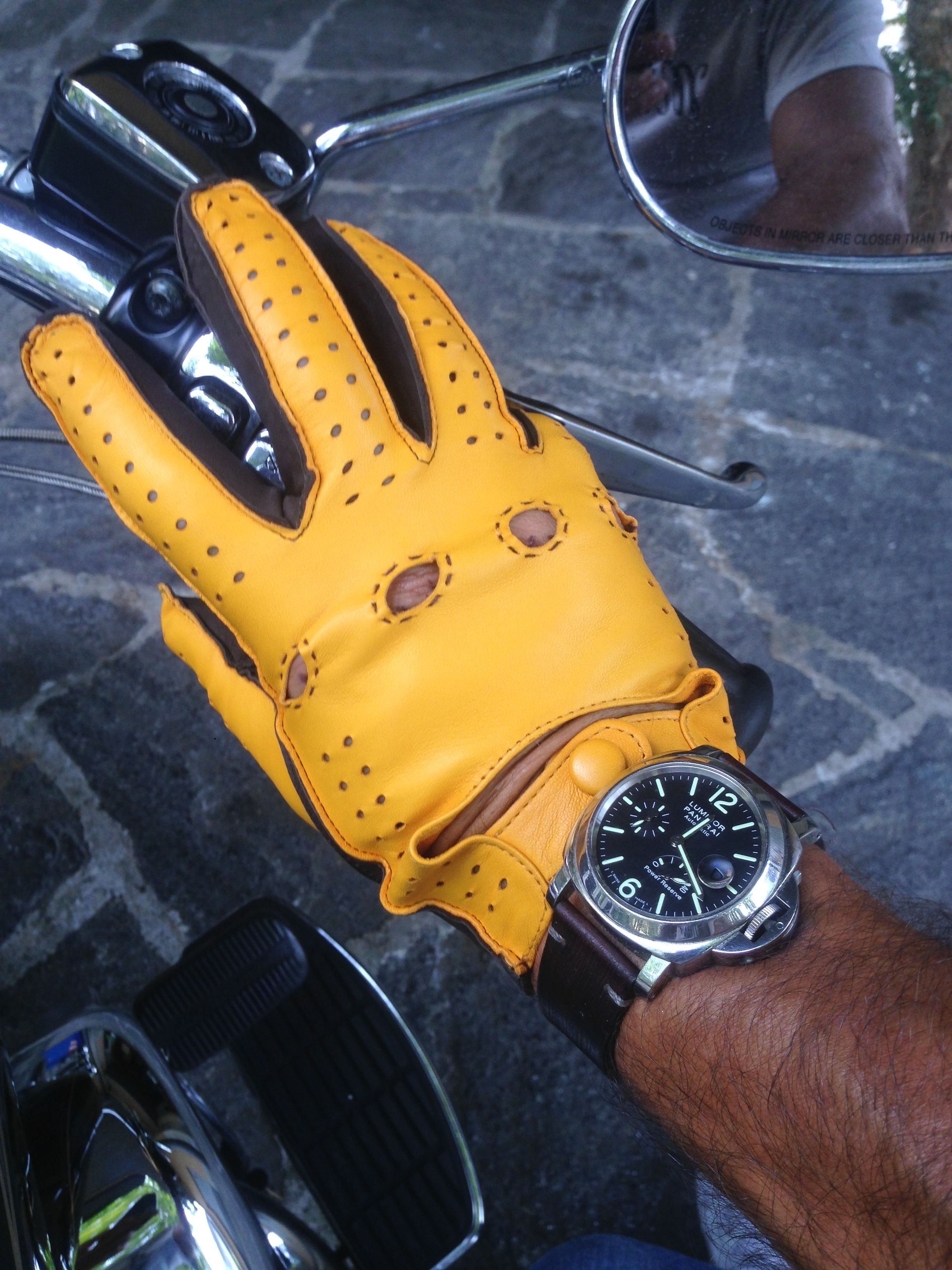 Gloves for Rider at MITCHUMM Store Como Italy