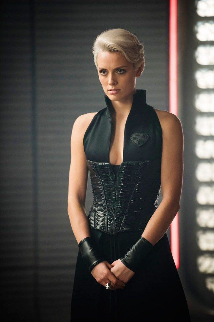 Nyssa-Vex | krypton | Dc tv series, Comic Movies, Formal ...