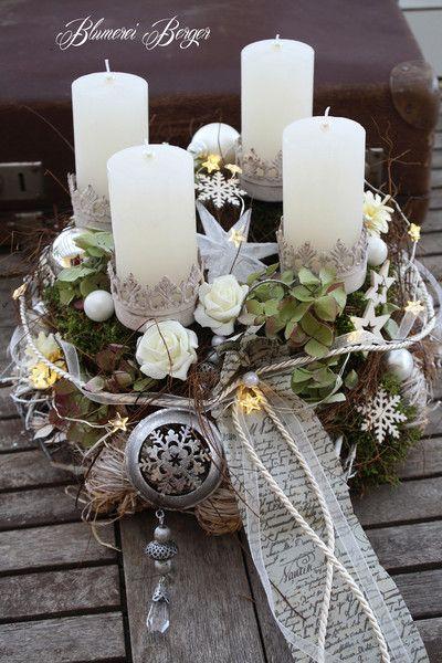 Adventskranz - :::: Adventskranz beleuchtet :::: - ein Designerstück von BlumereiBerger bei DaWanda #florists