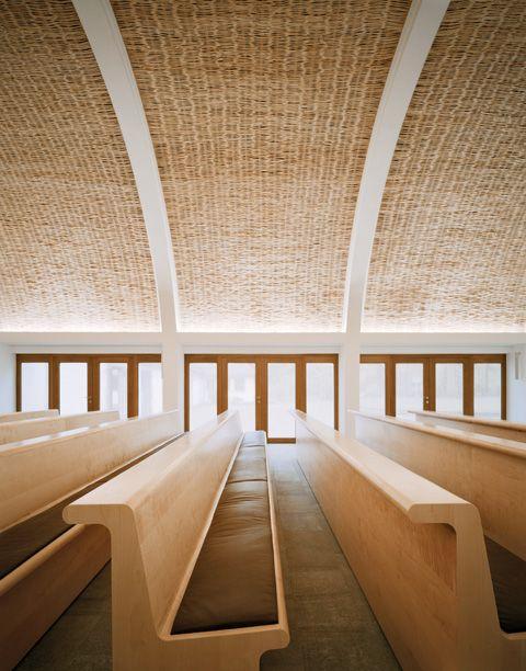 Innenarchitekt Aalen funeral chapel by kaestle ocker roeder architekten for forest