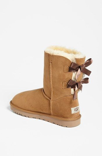 ♡Short Brown Uggs with dark brown Bailey Bows♡