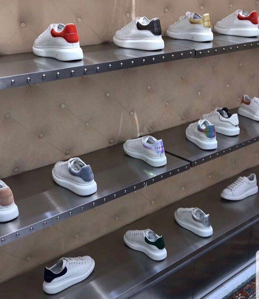 Odenissiz Catdirilma Movcuddur Geyim Baku Geyimler Paltar Qadingeyimleri Shoe Rack Kitchen Appliances Instagram Posts