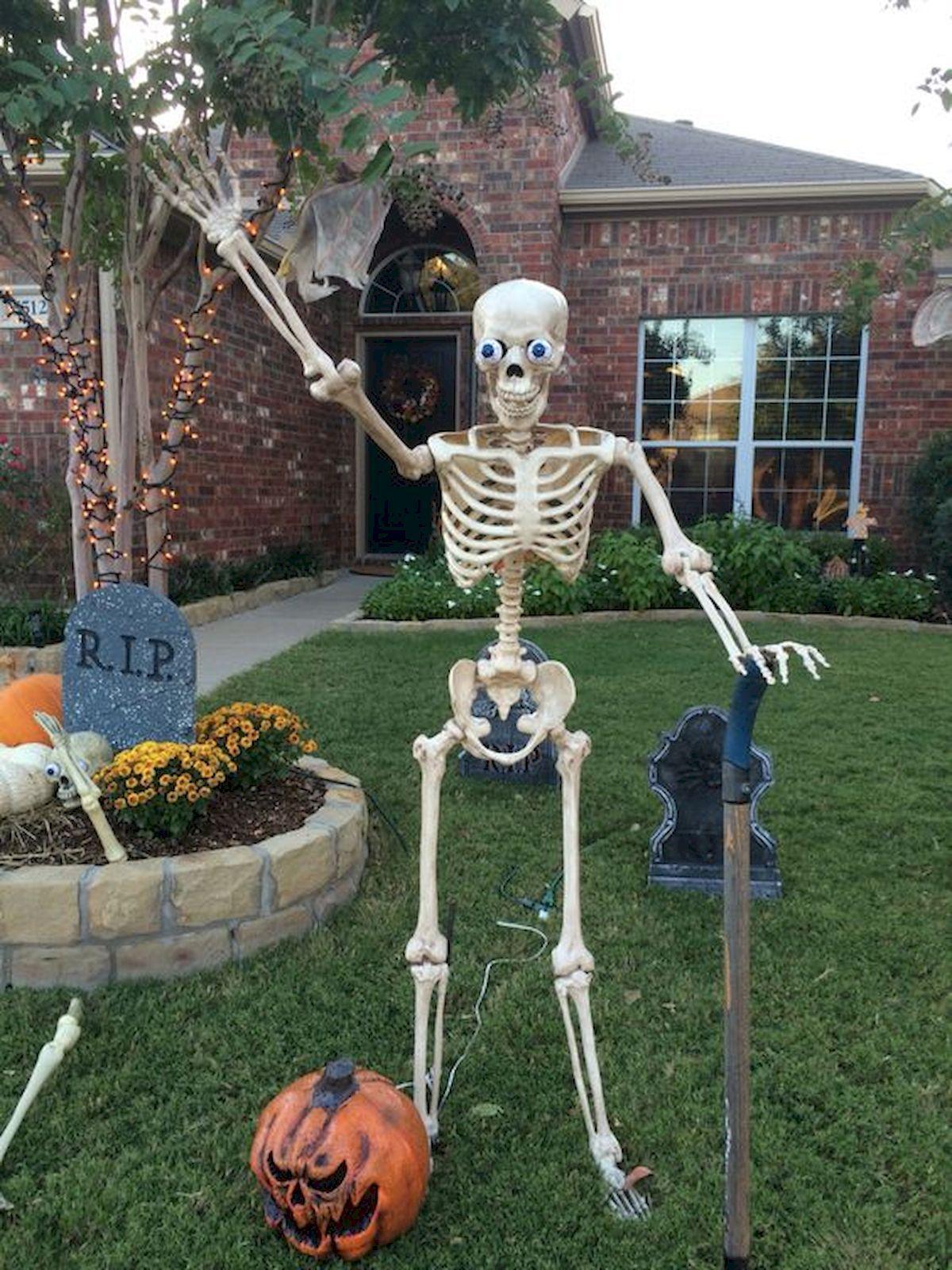35 Best DIY Halloween Outdoor Decorations for 2018 (6