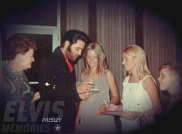 """Elvis with fans - """"Charro"""" candid"""