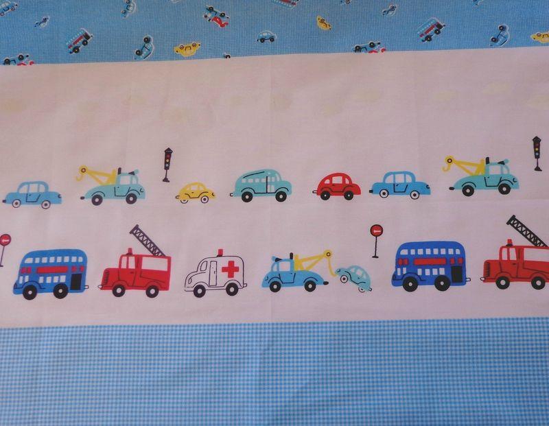 coupon tissu patchwork enfant, romantique, voiture, bleu, blanc, env. 40x50 cm