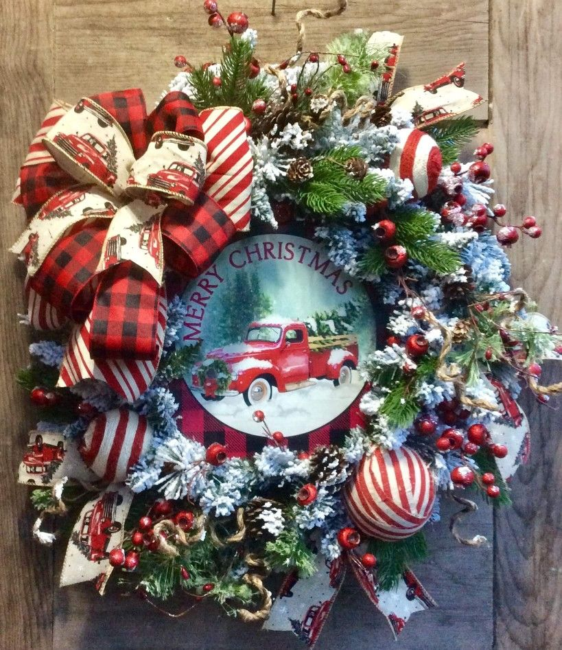 Old Red Pickup Truck Wreath Christmas Decor Diy Christmas Decorations Rustic Christmas Decorations
