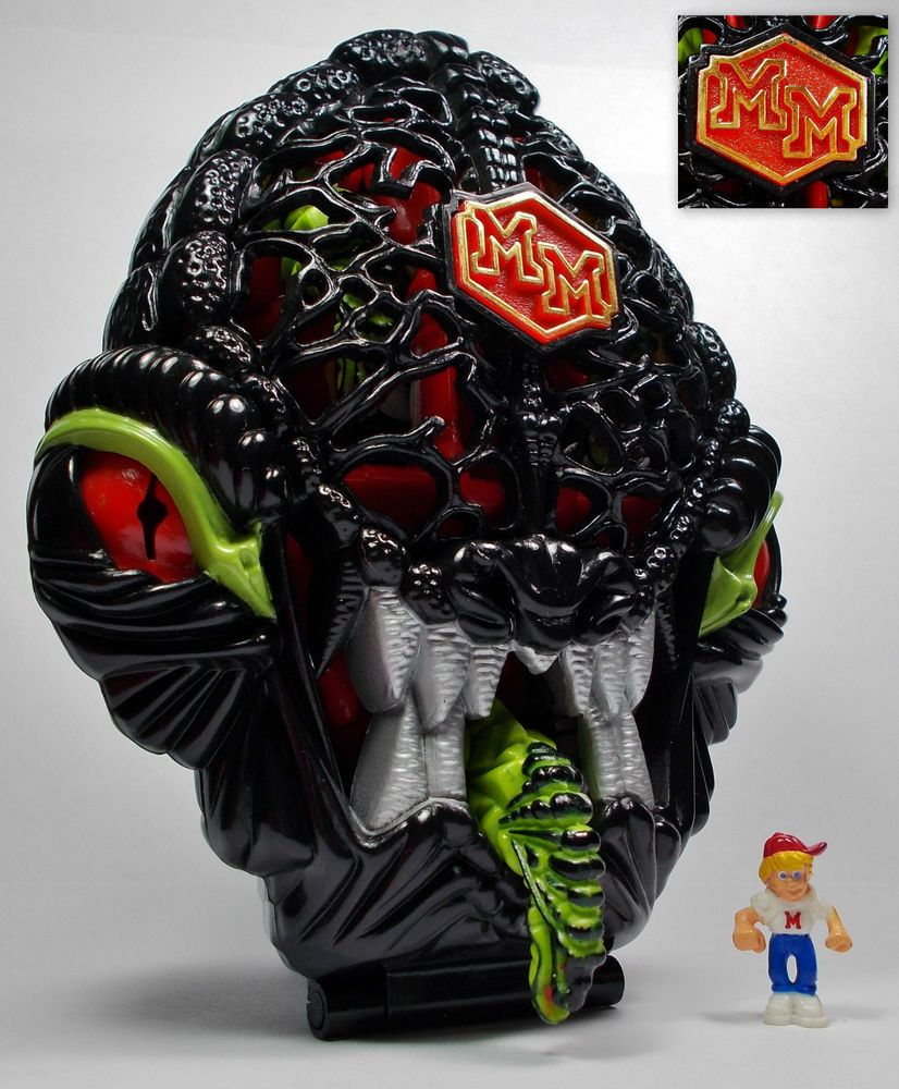 Mighty Max Extinguishes the Fire Alien - Doom Zones (Toys) (6)