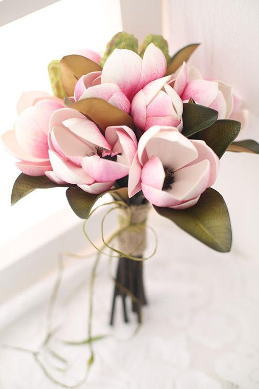 Magnolia Bouquet Poisk V Google Magnolias Wedding Bouquet Wedding Flowers Peonies Magnolia Wedding