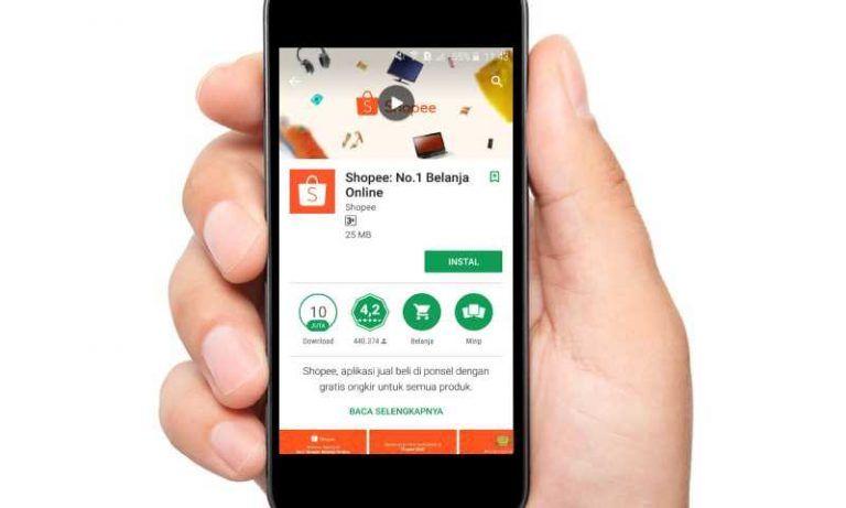 Bersihkan Kotoran Dan Debu Pada Lubang Jack Audio Smartphone Aplikasi Smartphone Produk