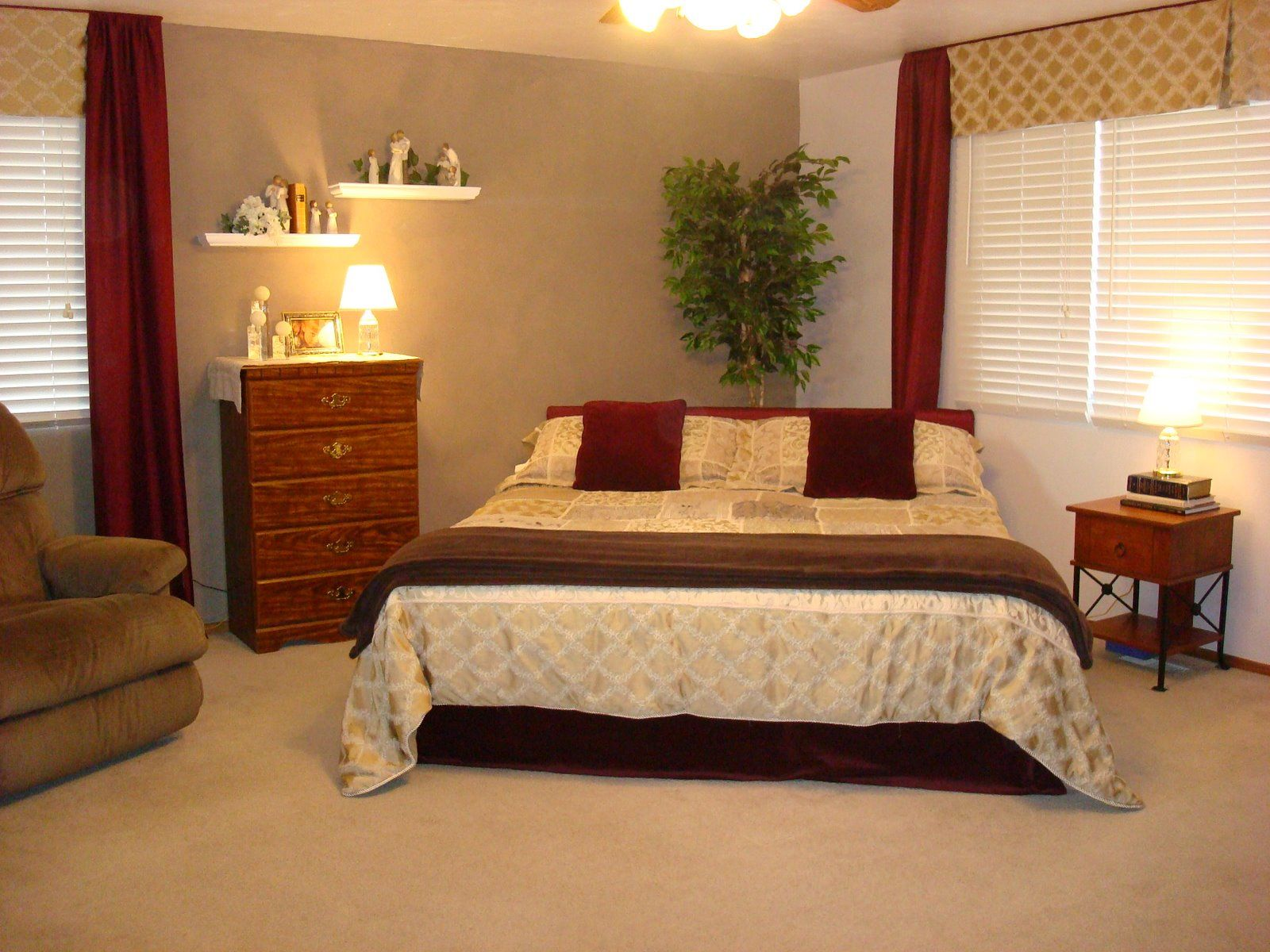 Corner bed placement idea revamping my bedroom - How to arrange a small bedroom with a queen bed ...
