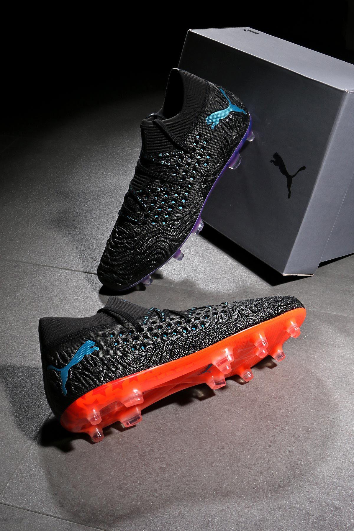 Botas de fútbol con tacos Puma Future. Esta edición especial