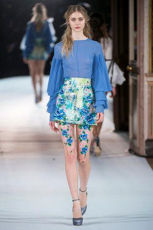 Показ Yanina Couture коллекции сезона Весна-лето 2017 года haute couture - www.elle.ru