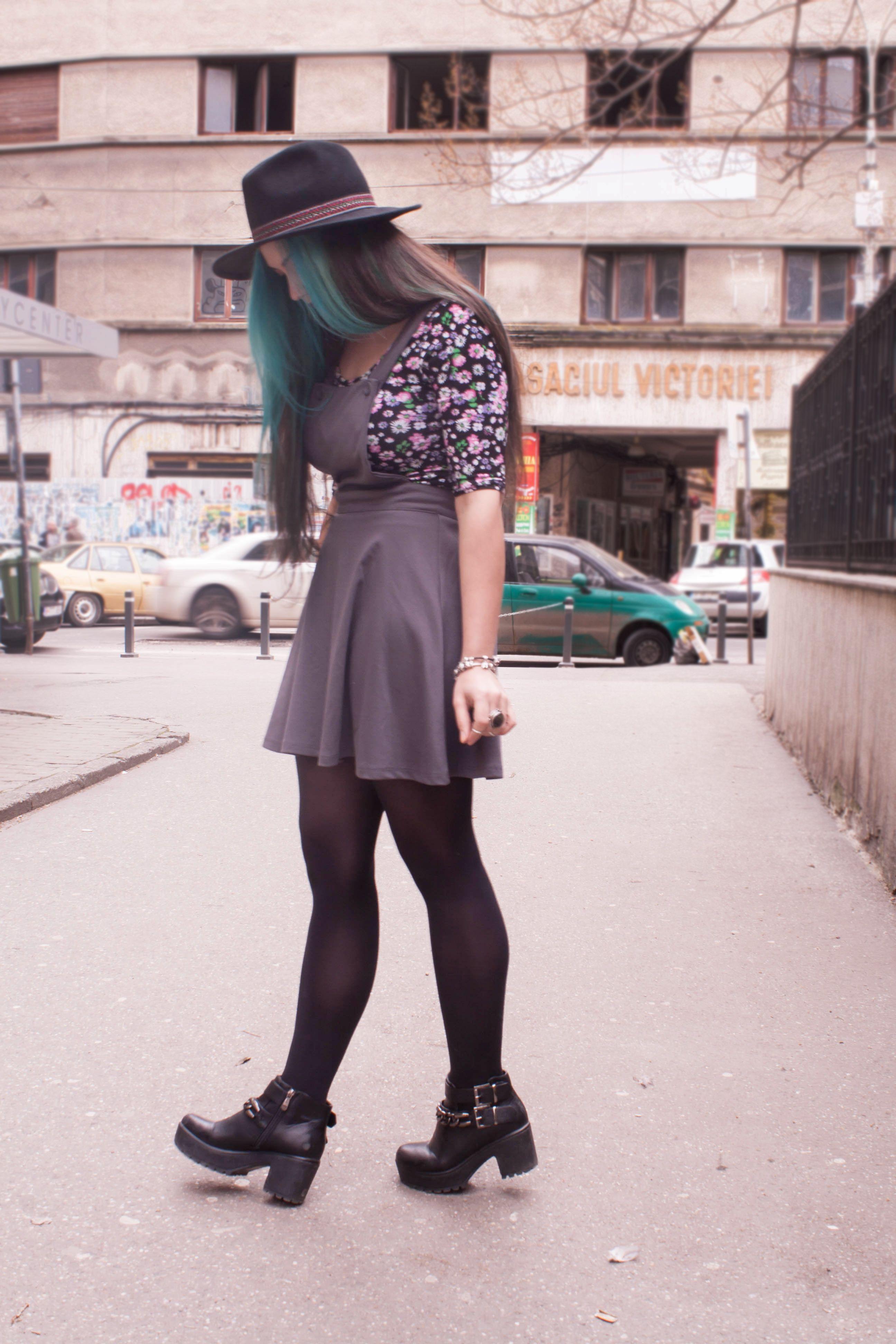 #fashion #dress #hat #evasplace #turquoise #hair