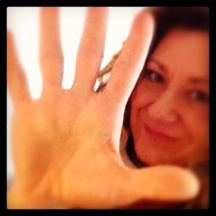 La mano que te empuja