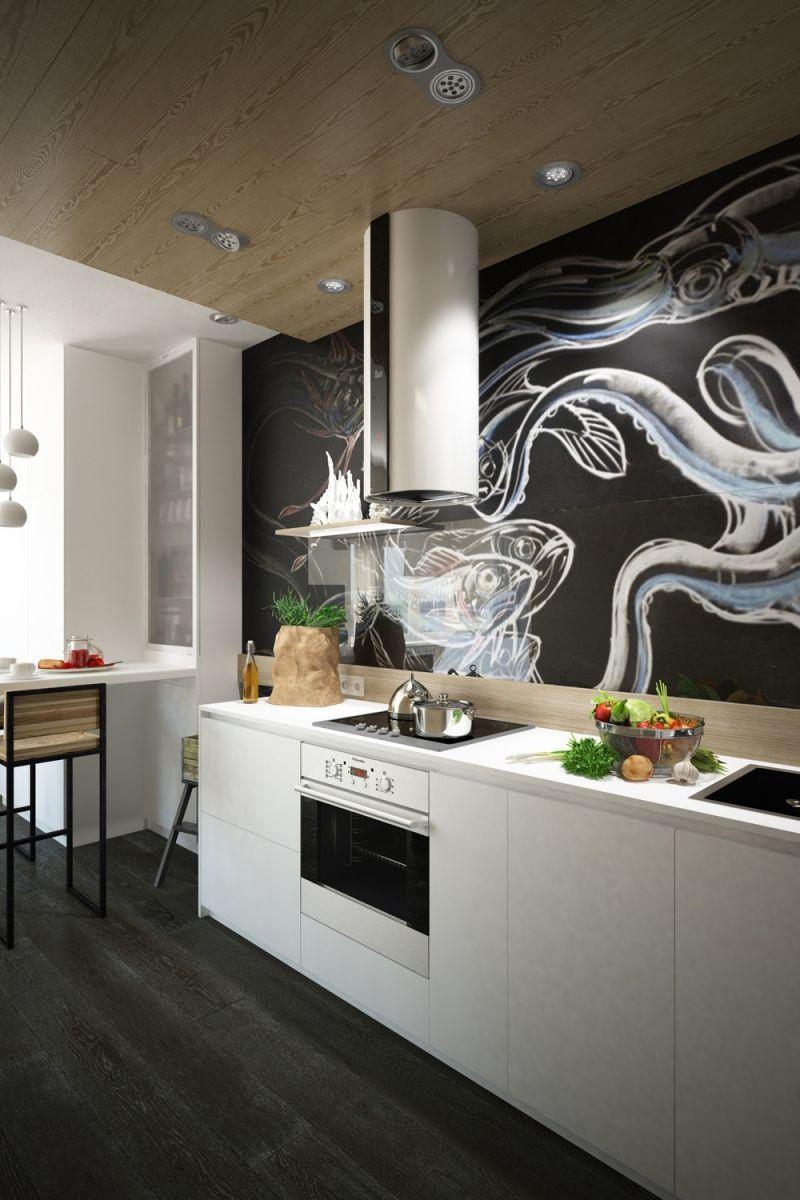 weiße küchenschränke, glas spritzschutz und kreative wandgestaltung