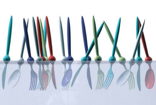 Flatware that doesn't sink in water. Simple floating mechanism and great colors.