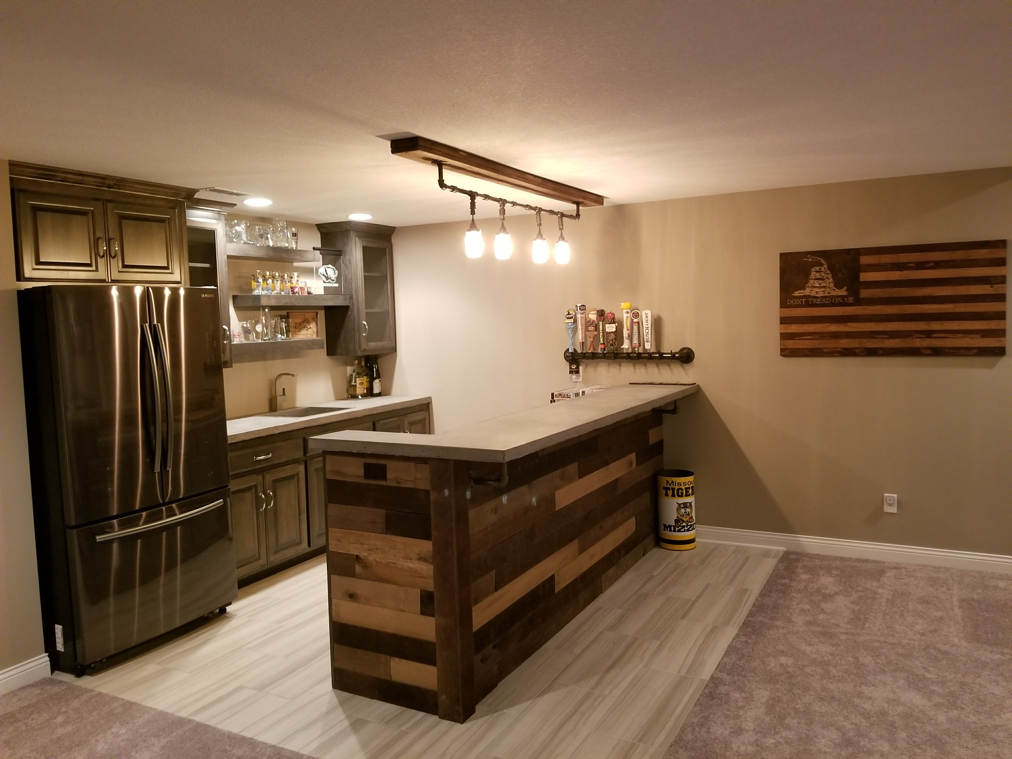 Pallet bar with concrete counter tops, industrial pipe Mason jar ...