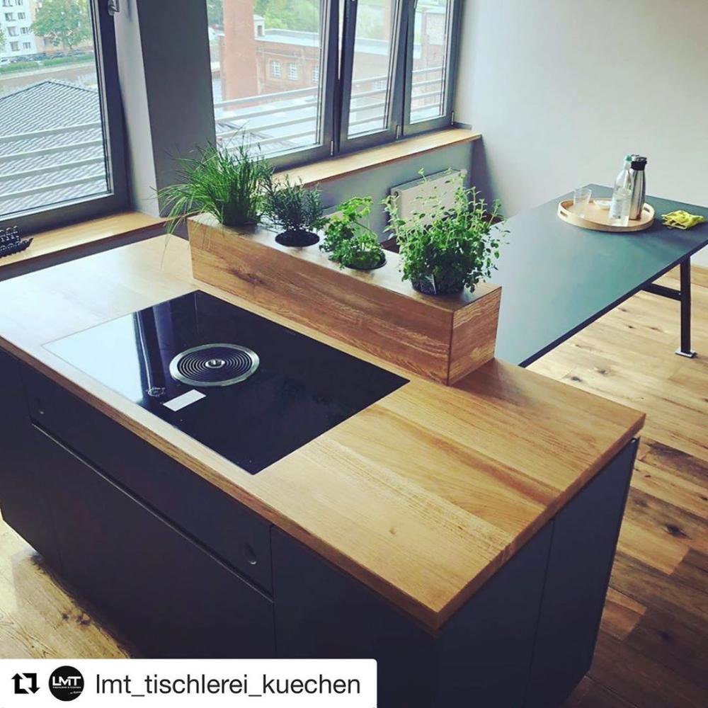 Küche schwarz + Holz Eiche  Küche schwarz, Moderne küche, Ikea küche