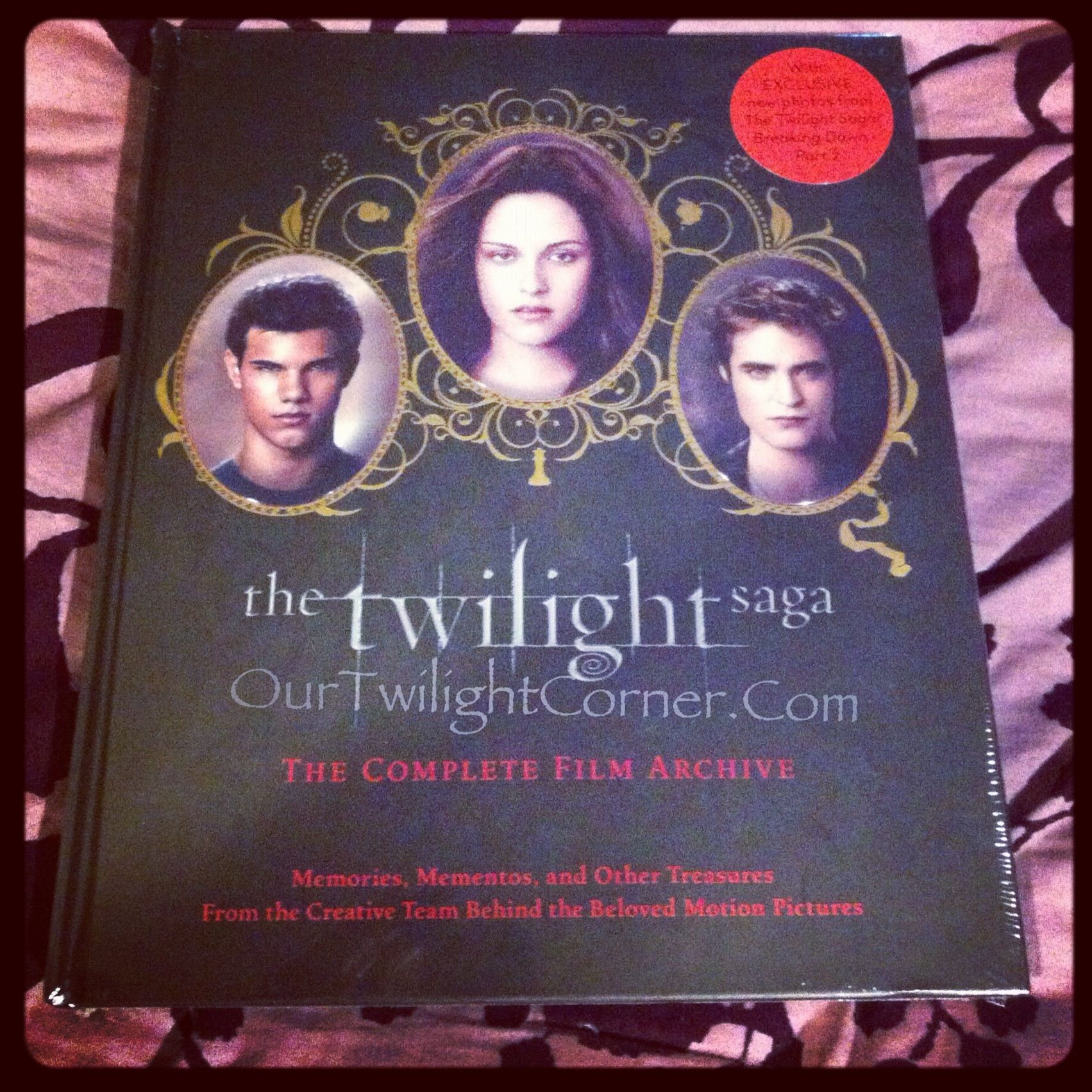 Got My Copy Did You Get Yours Yet Http Ourtwilightcorner Blogspot Com 2012 10 Found My Copy Of Twilight Saga Com Twilight Saga Twilight New Moon Twilight