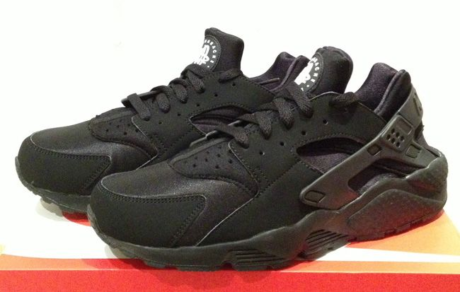 "Nike Air Huarache ""Triple Europe Negro"" (Foot Locker Europe ""Triple Exclusive c8b156"