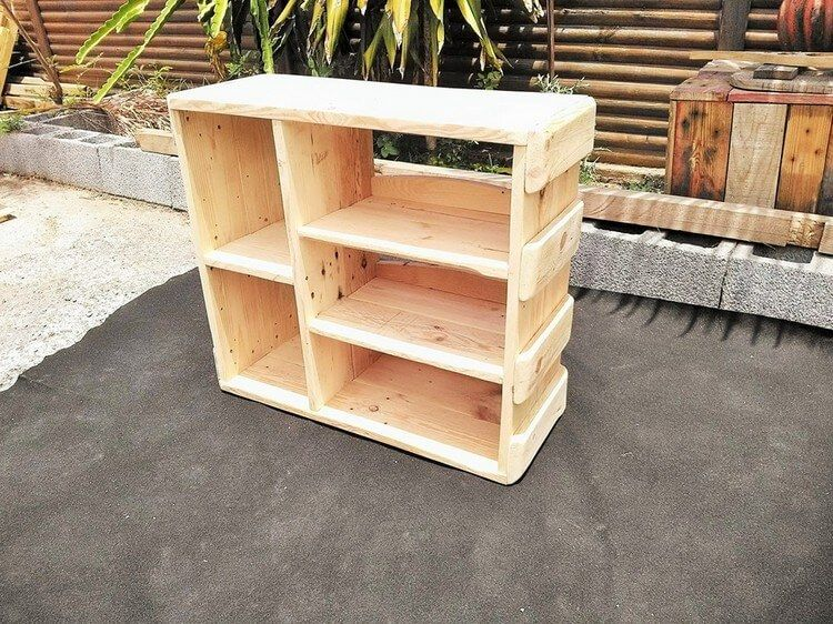 25 Unique And Creative Ways To Recycle Wooden Pallets Pallet Wood Headboard Wooden Pallet Crafts Wood Pallet Furniture