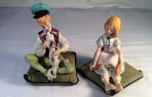Set 2 Vtg Lenwile Ardalt Bisque Porcelain Pillow Figurines