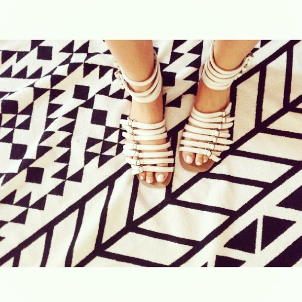 Aloof Lounger sandal repost from @sophie_vine www.facebook.com/Gold.Ordon