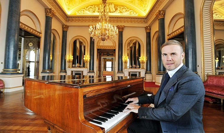 Gary Barlow piano