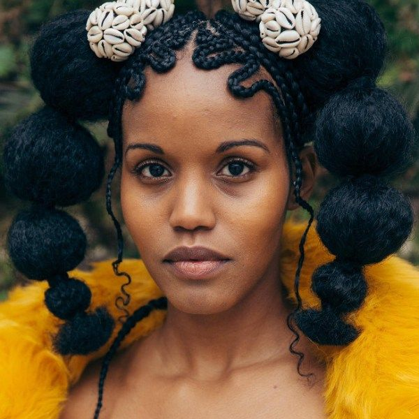 Solange Gave Us The Anthem Don 39 T Touch My Hair Like At All Since Then Hair Has Been A Recurring Theme Of Her Natural Hair Styles Hair Art Hair Styles