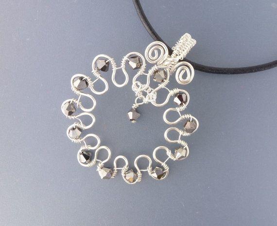 Cool diy bijoux wire wrapped pendant design tutorial using the cool diy bijoux wire wrapped pendant design tutorial using the bail forming pliers aloadofball Images