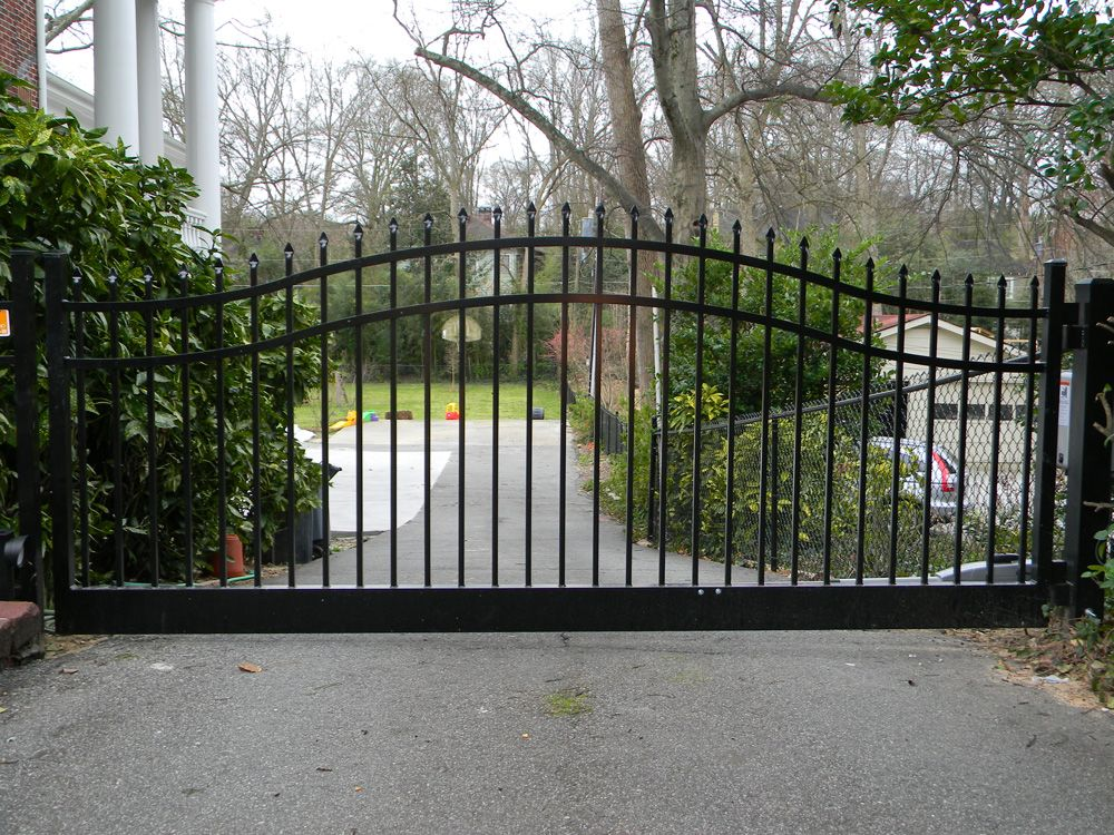 Style A Single Swing Driveway Gate With Estate Arch Front Gate Design Aluminum Driveway Gates Entrance Gates