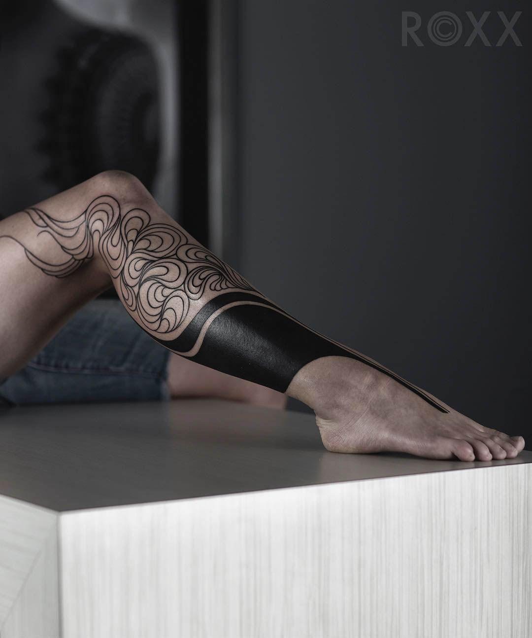 Tattoo On Leg For Female тату чёрно белыеtattoo Black идеи для