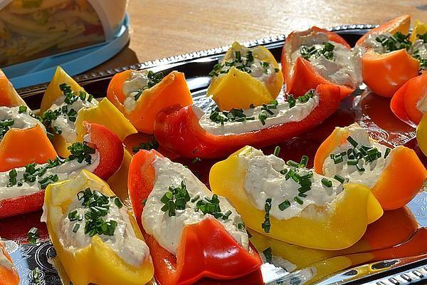 Paprikaschiffchen mit Frischkäse von fransi | Chefkoch