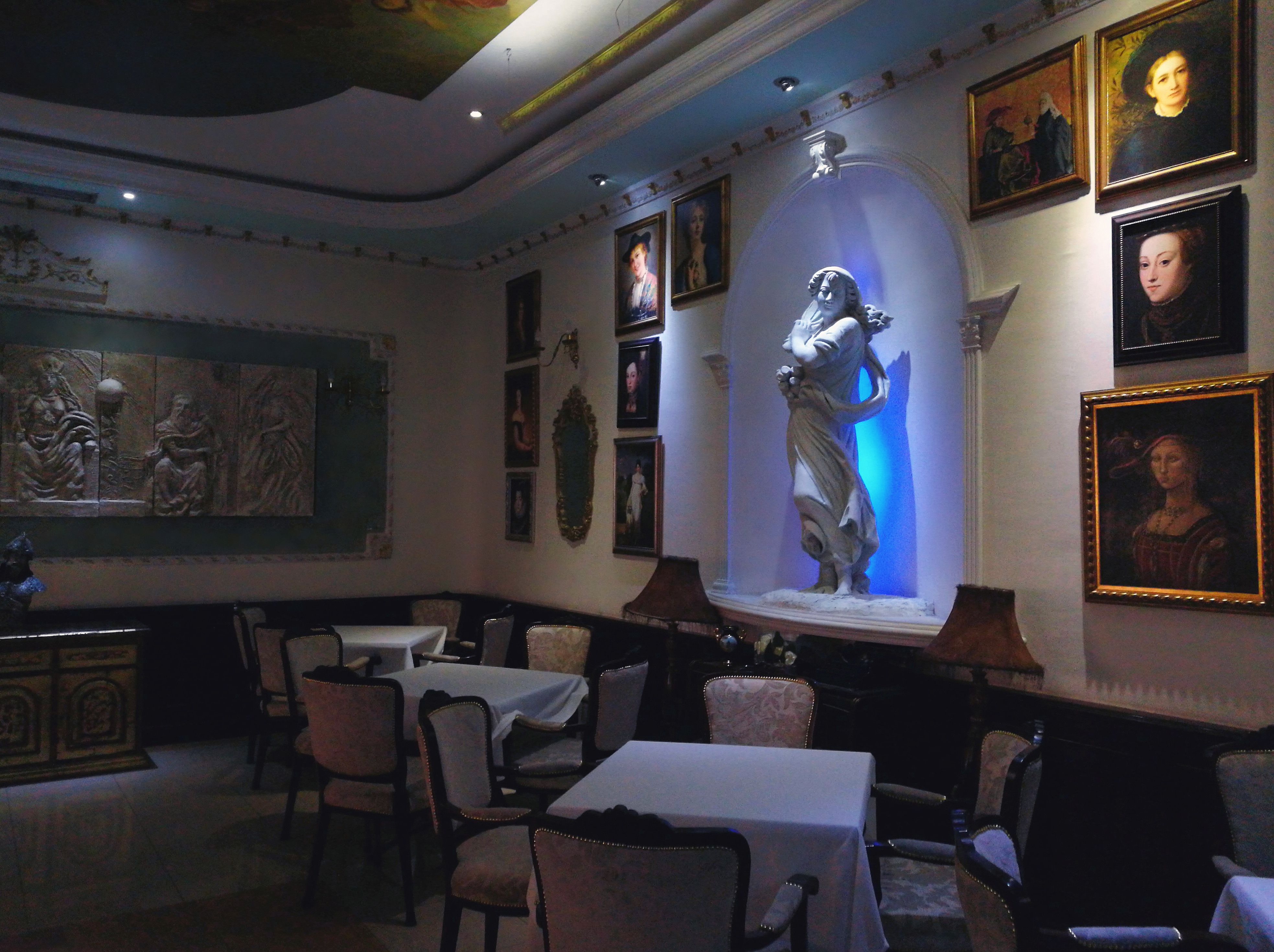 Queen S Astoria Design Hotel In Belgrade Serbia Hotels Design