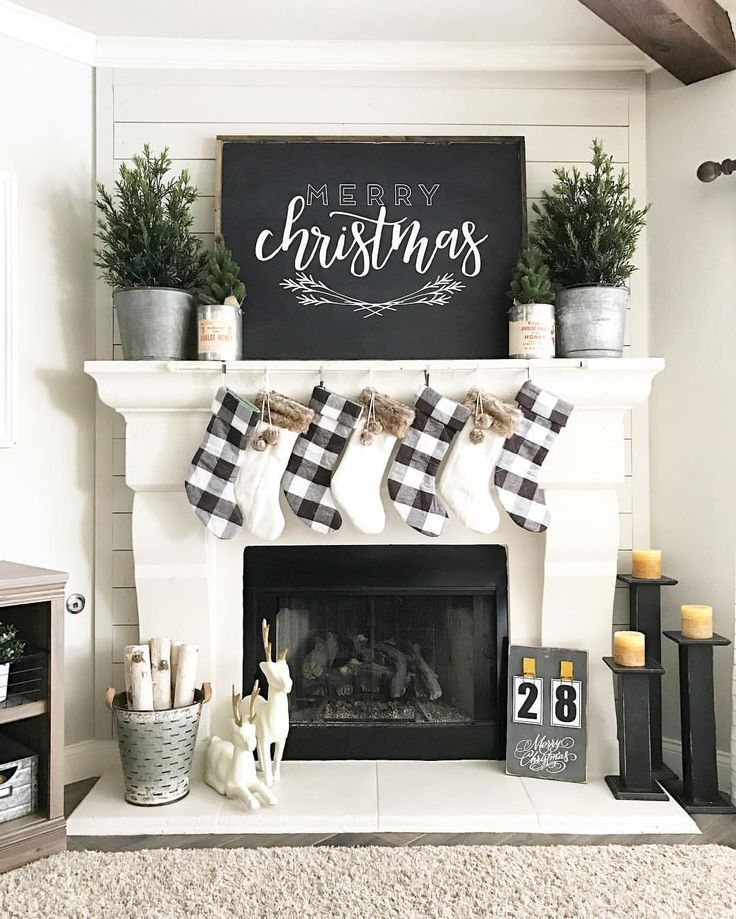 Love This Simple Black And White Christmas Decor
