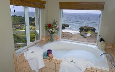 Sunset Suite Whirlpool Tub Overleaf Lodge Oregon Lodge Jacuzzi Room Oceanfront