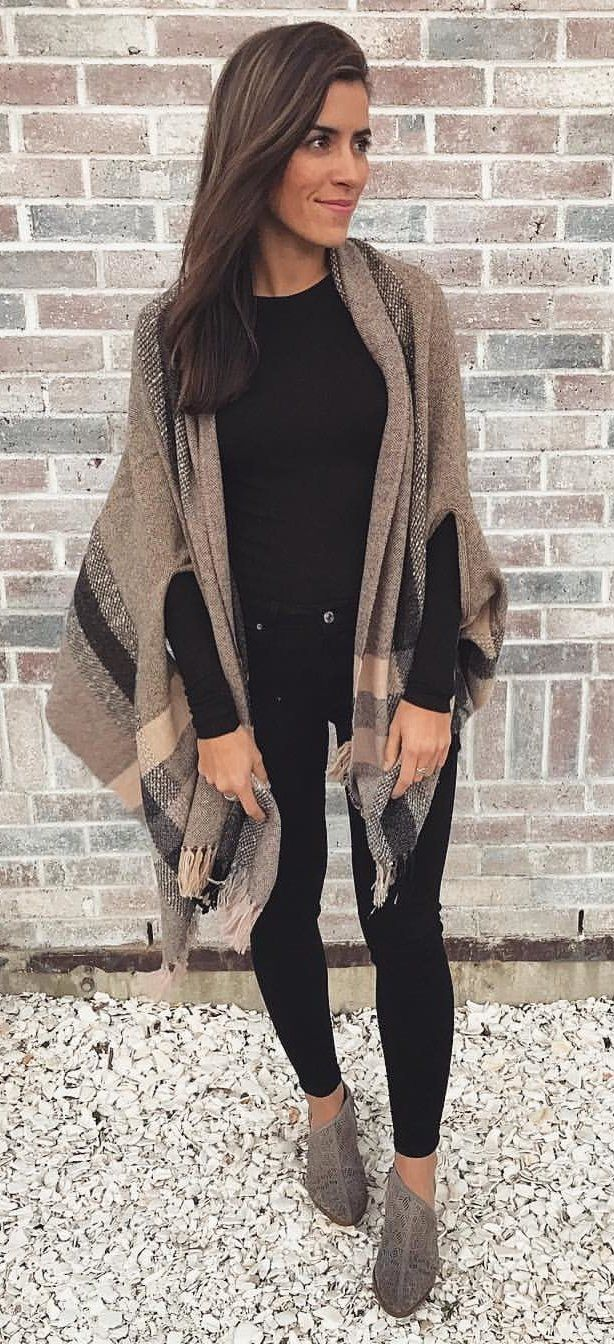 40+ charming fall outfits to stand out from the crowd | black long