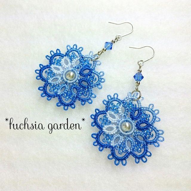 〈再販〉タティングレースのフラワーピアス ~水色×青~