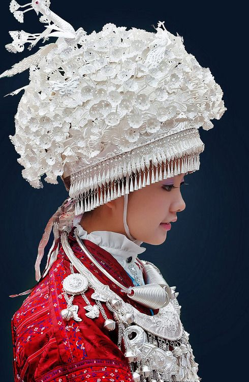 Minority group in China Women Clothes - very beautiful ... Miao People Art