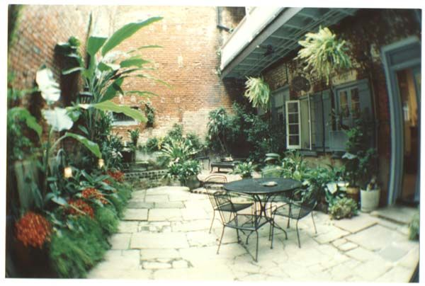 French Quarter Patio | This old house | Pinterest | French ...