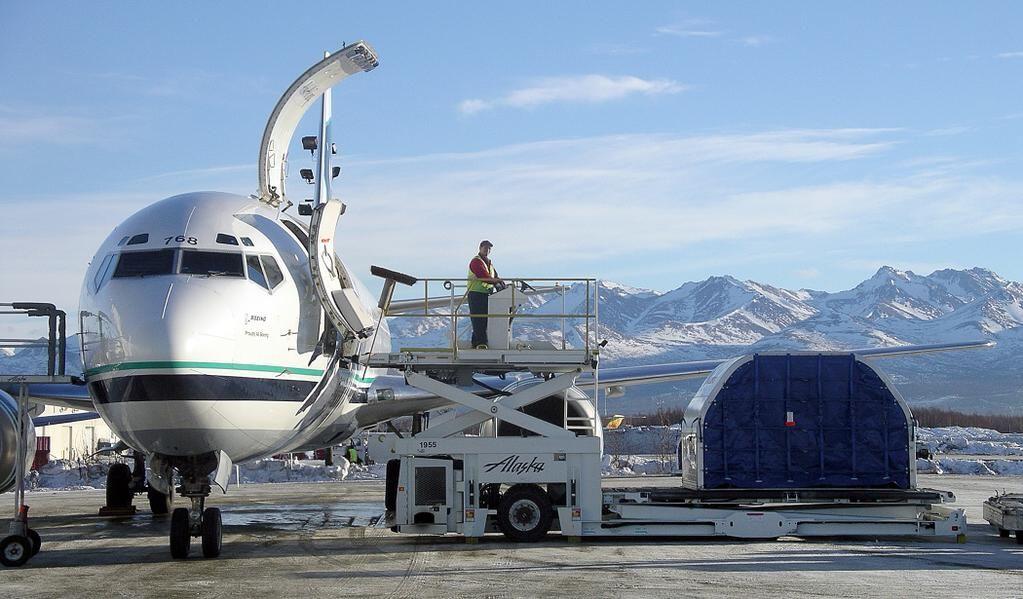 Alaska Airlines On Alaska Airlines Cargo Airlines
