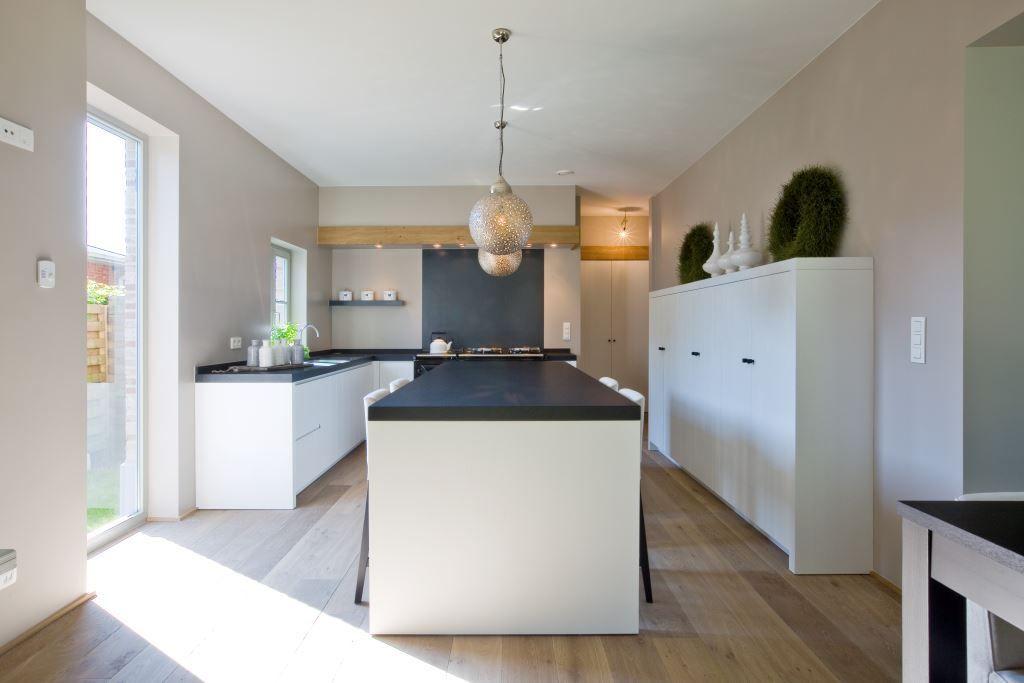 Vloerbedekking Voor Keuken : Houtambacht planken vloer in de keuken product in beeld