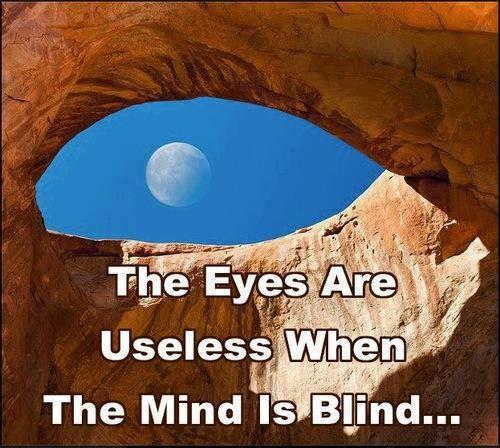 Kijken doe je met je ogen open maa echt zien doe je met je ogen dicht....