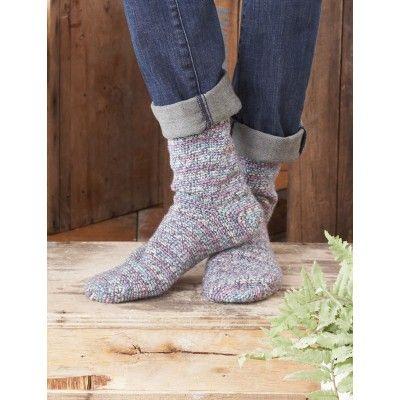 Free Intermediate Women\'s Socks Crochet Pattern | Crochet patterns ...