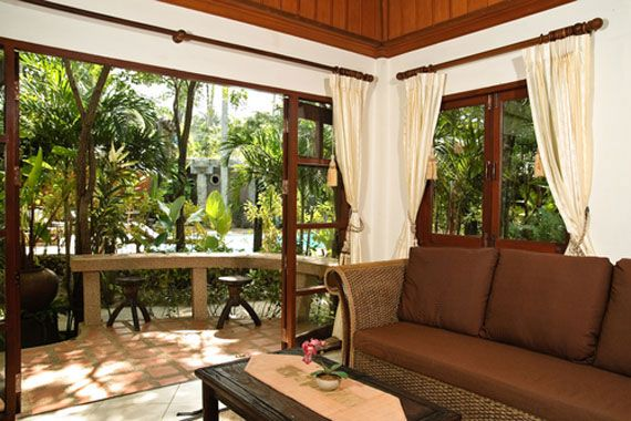 tropical interior design and decorating theme