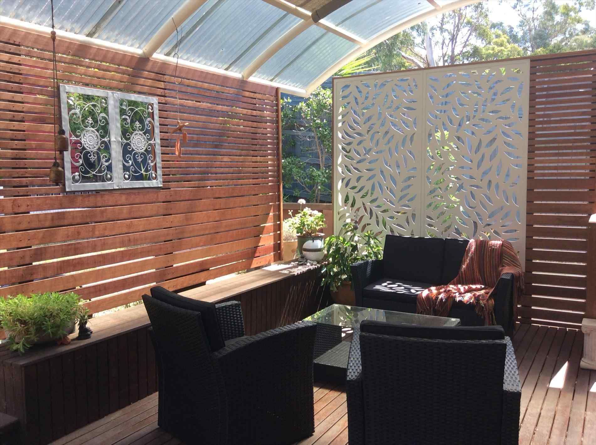 16 Incredible Patio Divider Walls For Your Home Breakpr Patio Outdoor Rooms Backyard Shade