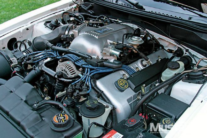 We Explain Ford S 4 6l Double Overhead Cammer Screamer The Modular Dohc V 8 Is A Natural Born Hot Rod And Ford Racing Engines Ford Mustang Ford Mustang Cobra